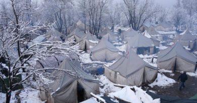 Hilfe für Menschen, die in Lagern leben müssen